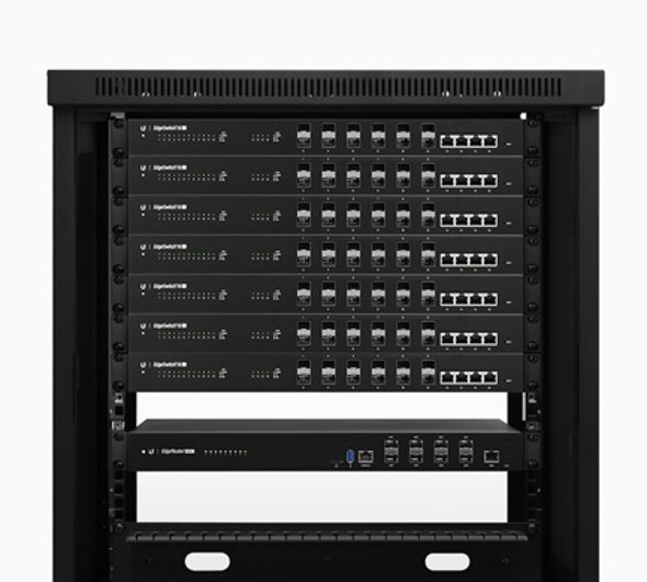 er-8-xg-features-rackmount3